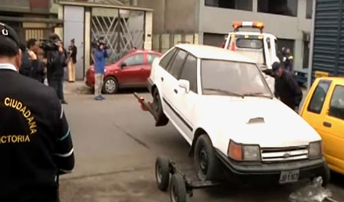 La Victoria: Forsyth encabeza operativo para erradicar vehículos abandonados