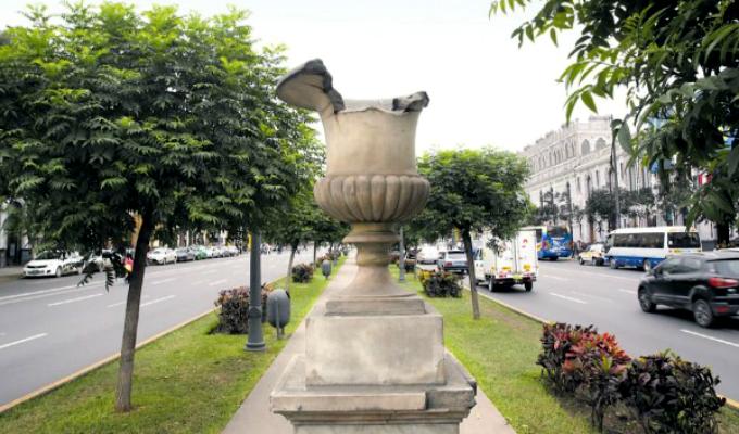 Cercado: monumentos de Paseo Colón están abandonados