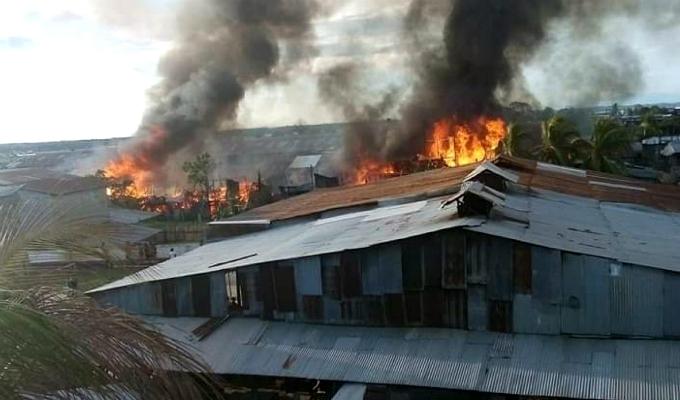 Iquitos: voraz incendio consume al menos 50 viviendas