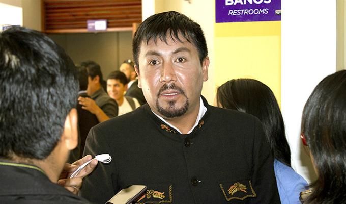 Gobernador de Arequipa: Gobierno tiene 72 horas para anular licencia de proyecto Tía María