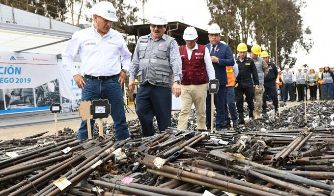 Pisco: ministro Carlos Morán supervisó destrucción de 11,600 armas de fuego decomisadas