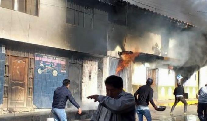 La Libertad: incendio en grifo clandestino afectó tres viviendas