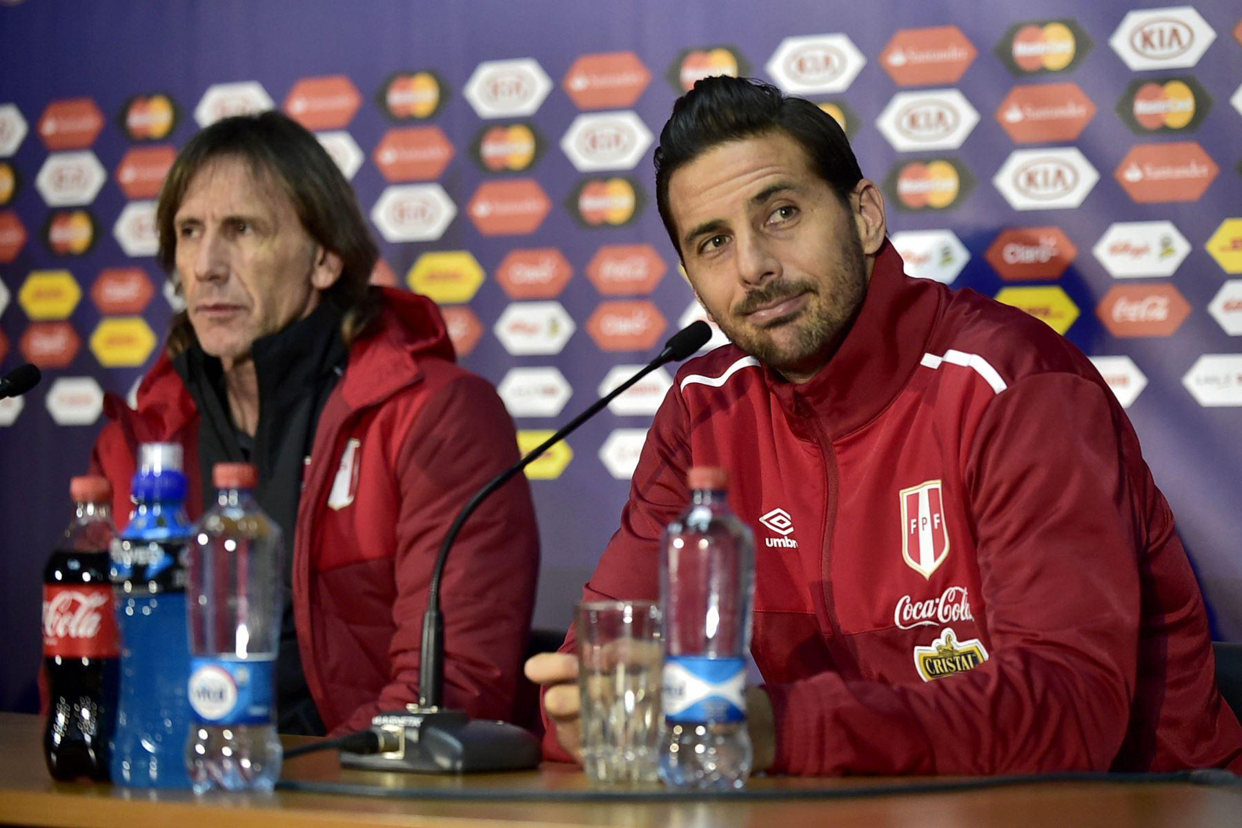 Técnico Gareca: Pizarro merece un homenaje de la selección peruana