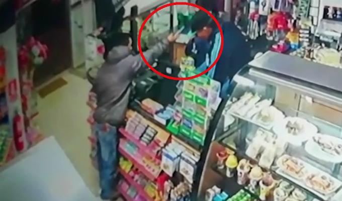 Trujillo: delincuentes armados son captados asaltando minimarket