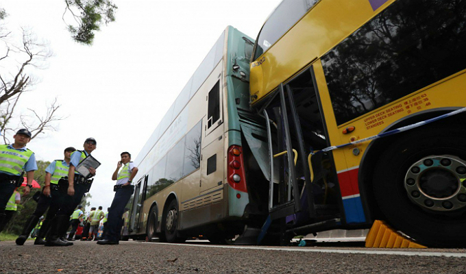 Hong Kong: colisión de buses dejó casi 80 heridos