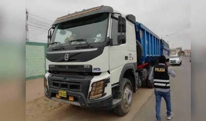 Delincuentes roban camión y se llevan más de 60 toneladas de minerales para procesar oro