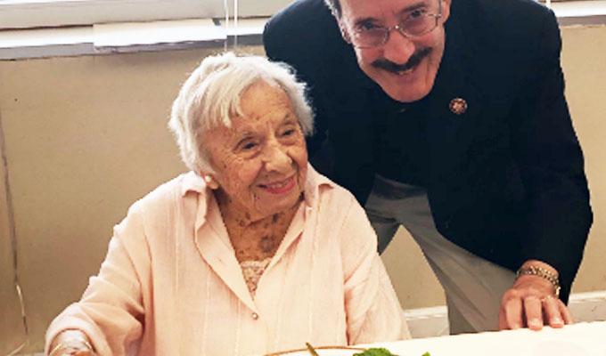 EEUU: mujer de 107 años revela su secreto de longevidad