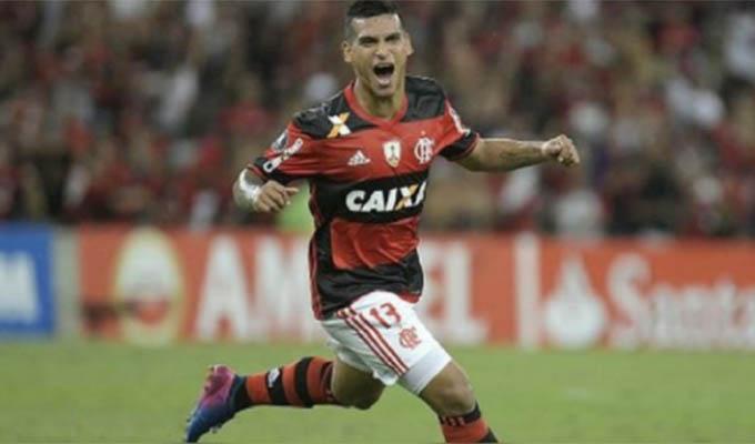 Miguel Trauco  deja el Flamengo y fichará por equipo de Francia