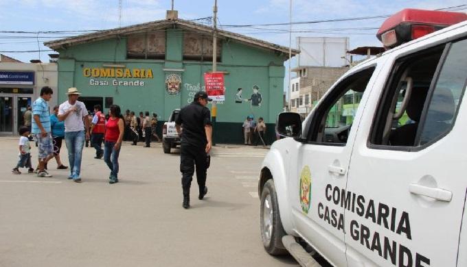 La Libertad: sicarios asesinan a balazos a joven cuando comía pollo a la brasa