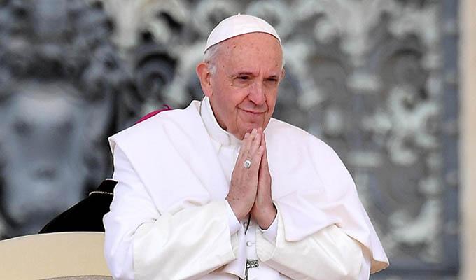 Papa Francisco envía mensaje a familiares de víctimas de tiroteos en EEUU