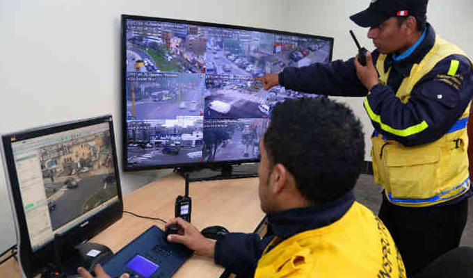 Tráfico: central de monitoreo permitirá crear ´olas verdes´ con semáforos