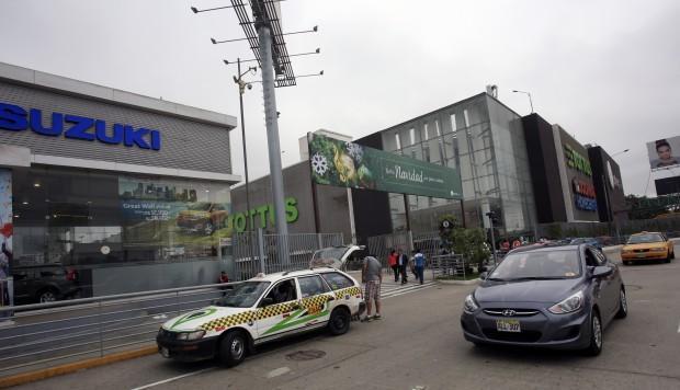PNP identifica a sujetos que amenazaban en Facebook con atentado en el Jockey Plaza