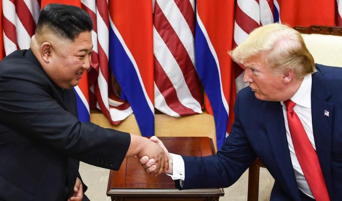 Trump asegura que Corea del Norte se disculpó por ensayos de misiles