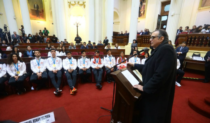 Olaechea: Los medallistas son ejemplo de excelencia para todos los peruanos