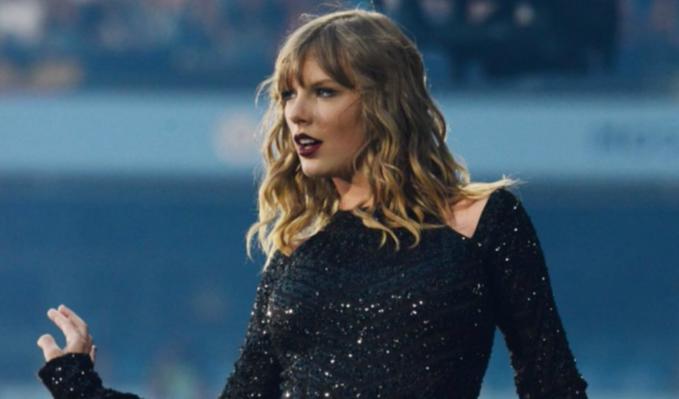 Taylor Swift paga los gastos universitarios de una fan