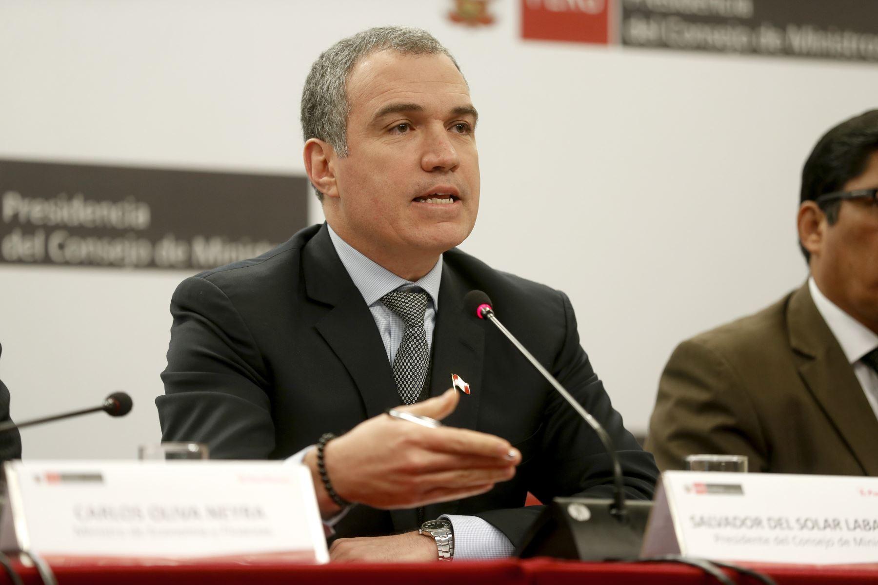 Del Solar se pronunció tras elección de Arimborgo en Comisión de Educación