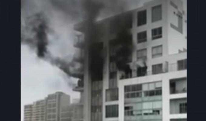 San Isidro: bomberos controlaron incendio en edificio multifamiliar