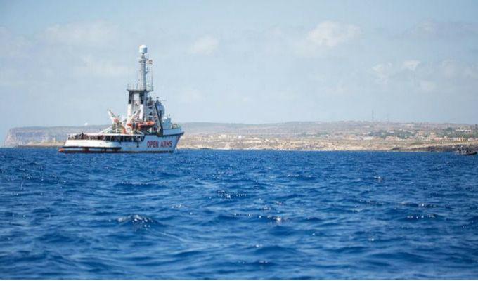 """España ofreció sus puertos pero el """"OPEN ARMS"""" ve inviable llegar"""