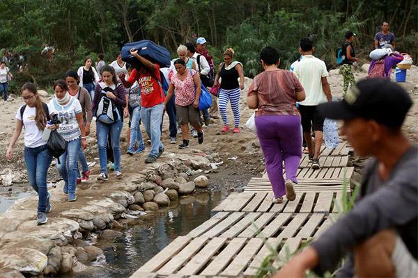 ONU pide más ayuda para venezolanos que siguen huyendo de su país