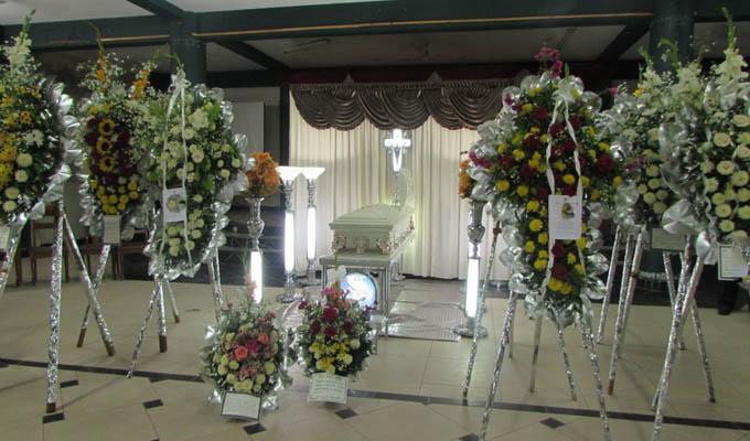 Junín: pese a cuarentena decenas de personas asisten a entierro de músico
