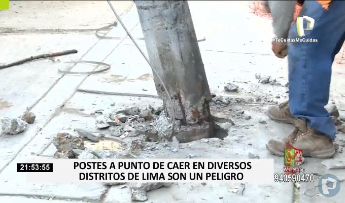 ¡Tenga cuidado! Postes a punto de caer ponen en riesgo la vida de transeúntes en Chorrillos