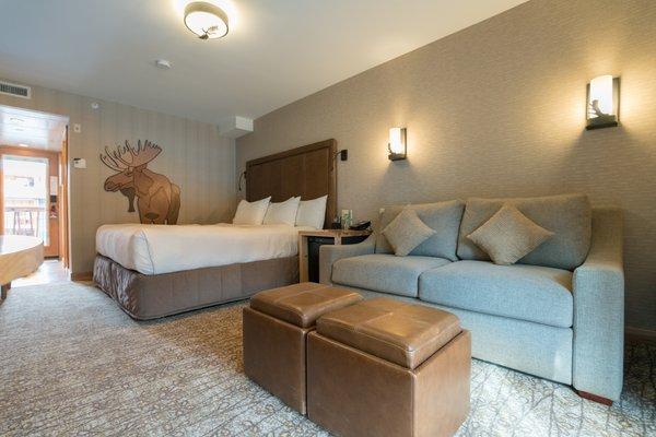 Superior Hotel Room - 1 King (Moose Hotel & Suites)