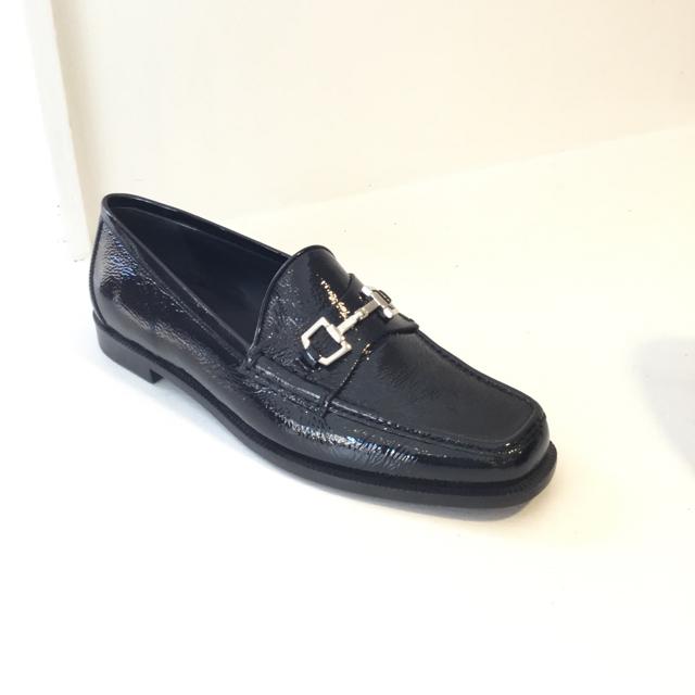 Gucci Size 38.5 EU Flat