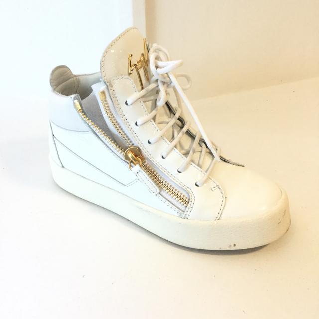 Guiseppe Zanotti Size 36 EU Sneaker