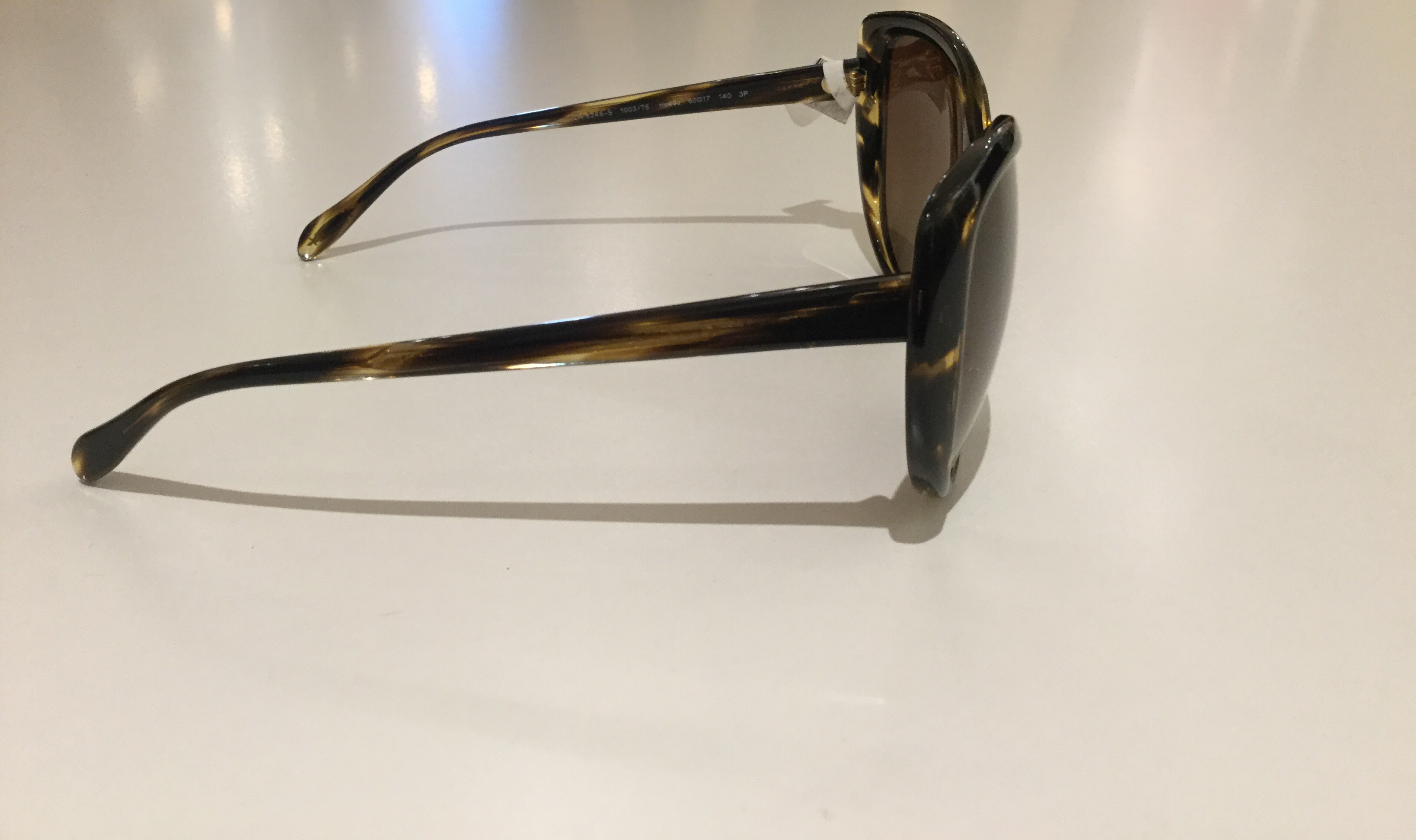 Oliver-Peoples-Sunglasses_59207C.jpg