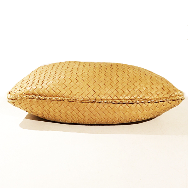 Bottega-Veneta-Hobo-Bag_246409C.jpg