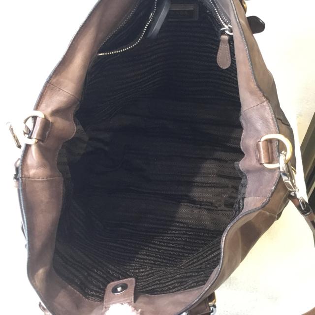 Prada-Crossbody-Bag_127555E.jpg