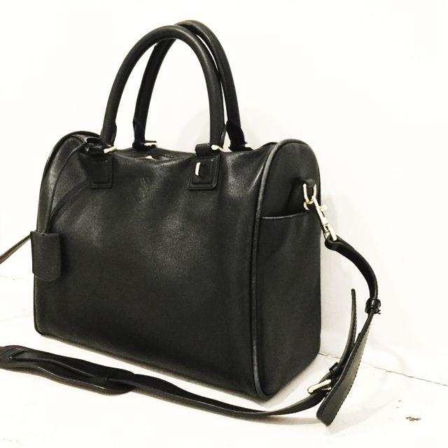 Loewe-Shoulder-Bag_98138B.jpg