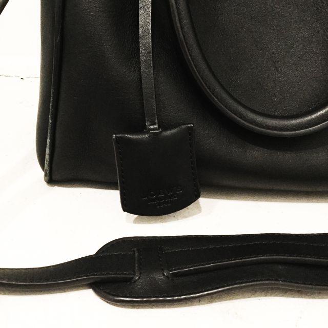 Loewe-Shoulder-Bag_98138D.jpg
