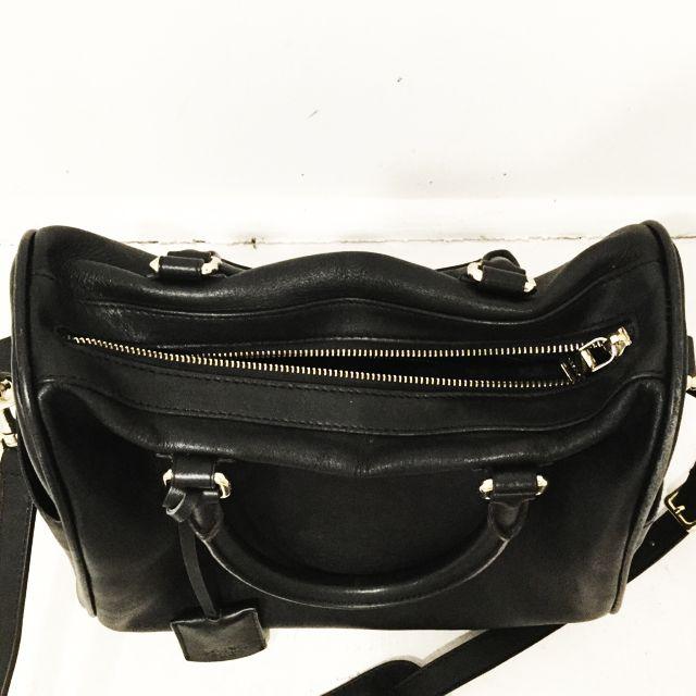 Loewe-Shoulder-Bag_98138F.jpg