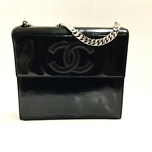 Chanel Shoulder