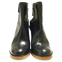 MM6 Size 39 EU Boot