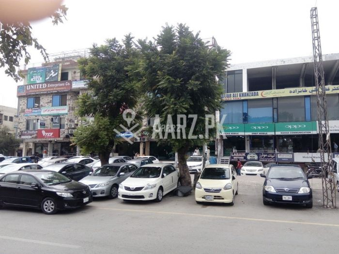 133 Square Yards Class 3 Plaza for Sale