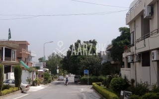 200 Square Yards House for Rent-upper portion