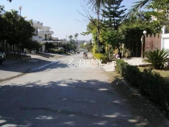 30000 Square Yard Commercial Plot for Sale