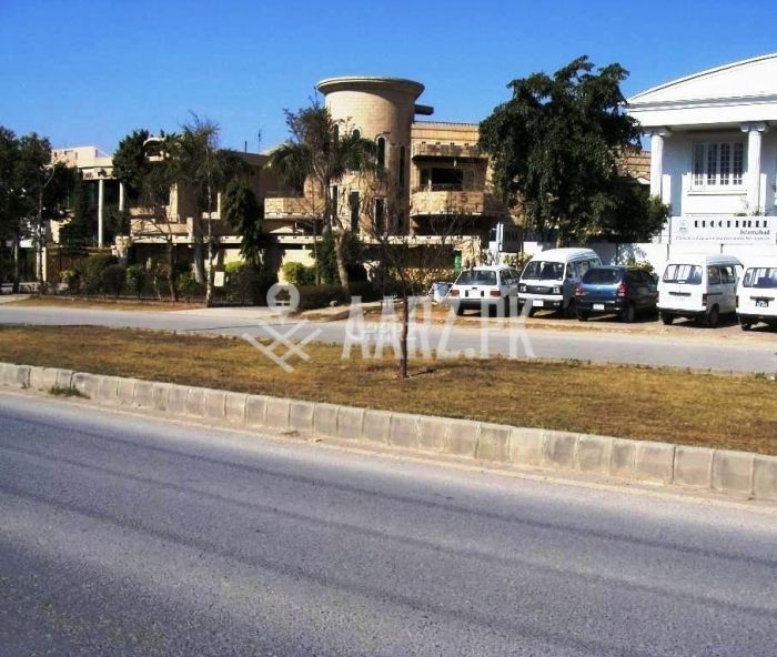 F-11 Hamza Tower - 4 Bed Apartment For Sale