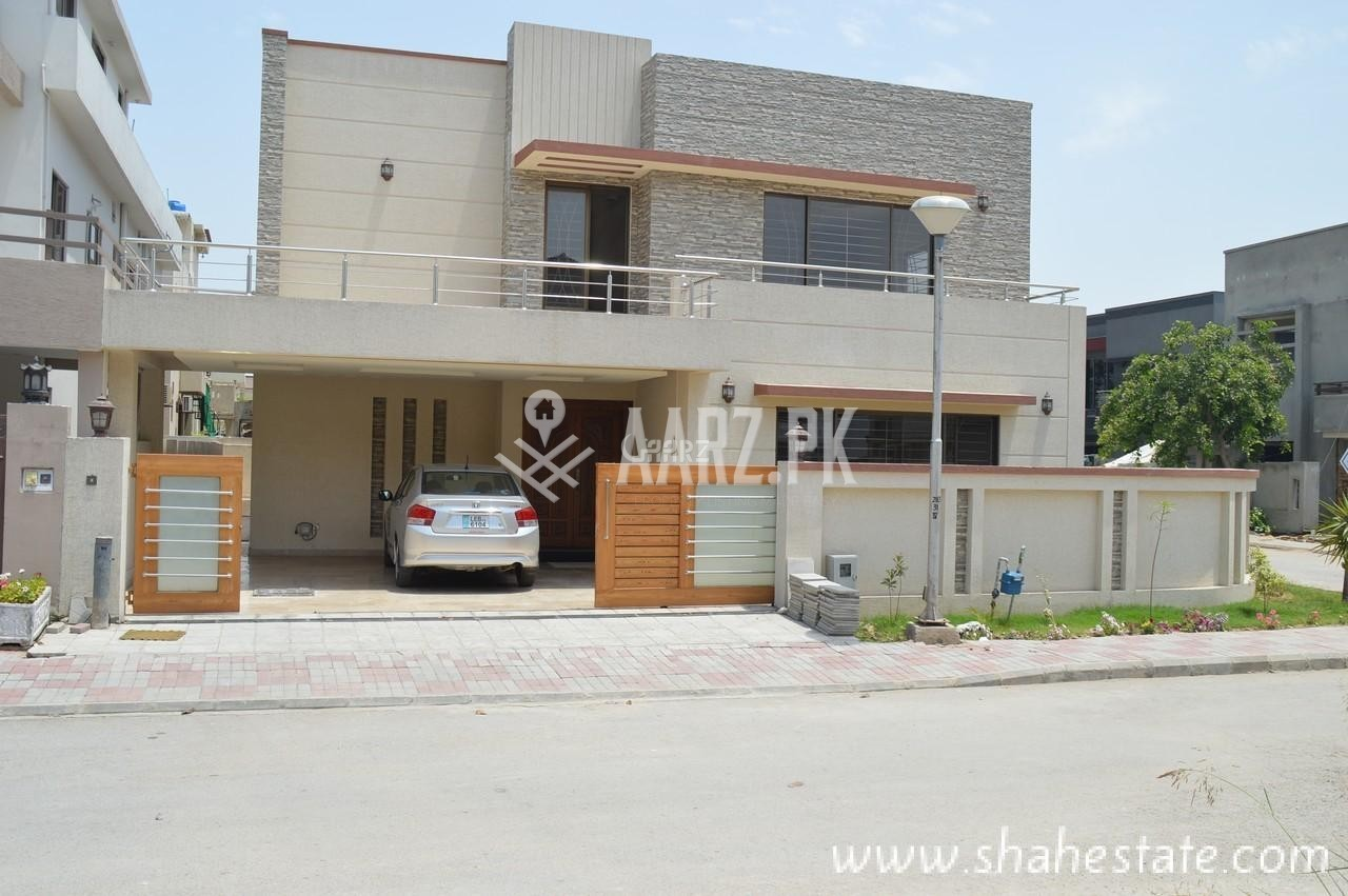 1 Kanal Beautiful House for Sale