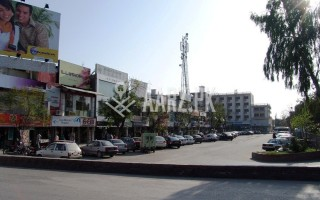 1 Kanal Commerical Building for Sale
