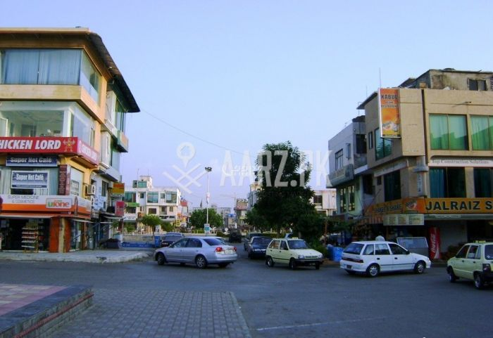 2 Bedrooms Commercial Apartment for Rent.