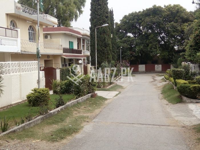 355 Square Yards House For Sale