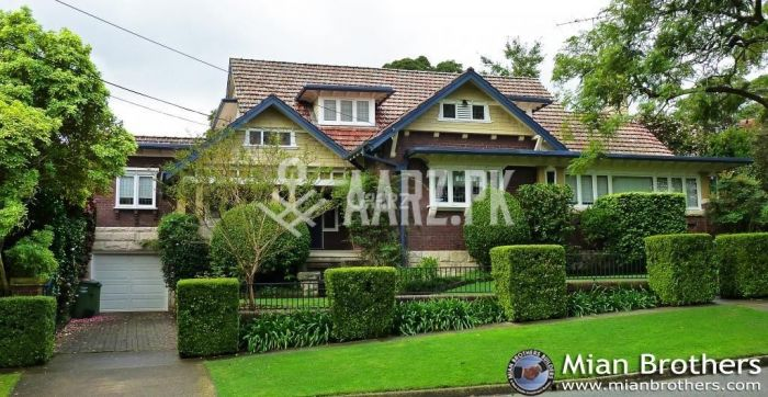 540 Square Yard House for Sale