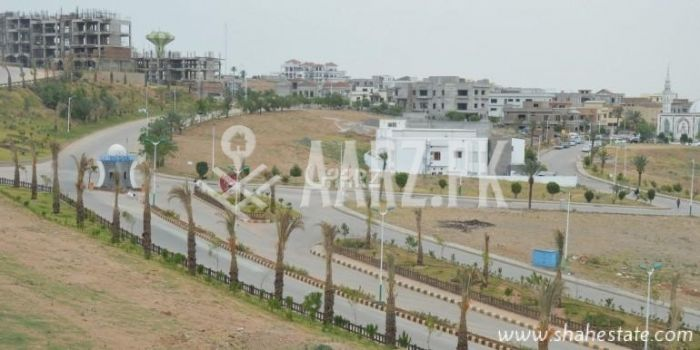 600 Square Yard Plot For Sale