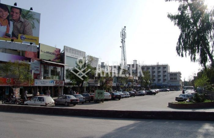 875 Square Feet Shop for Rent