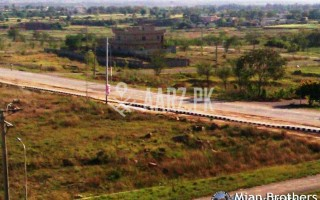 1000 Square Yard Plot for Sale
