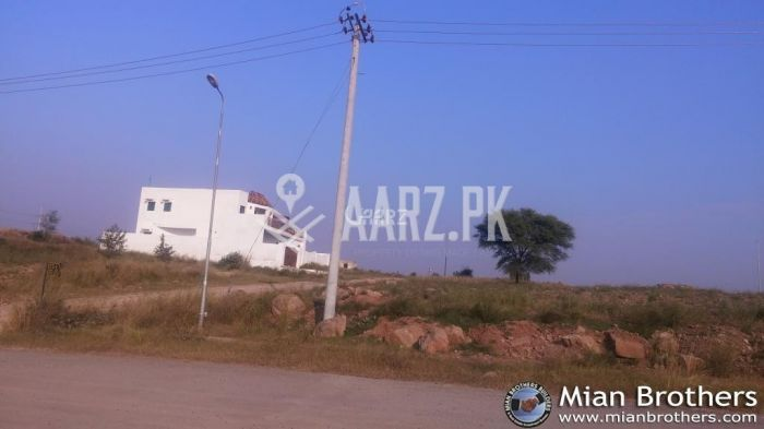 138 Square Yard Plot for Sale