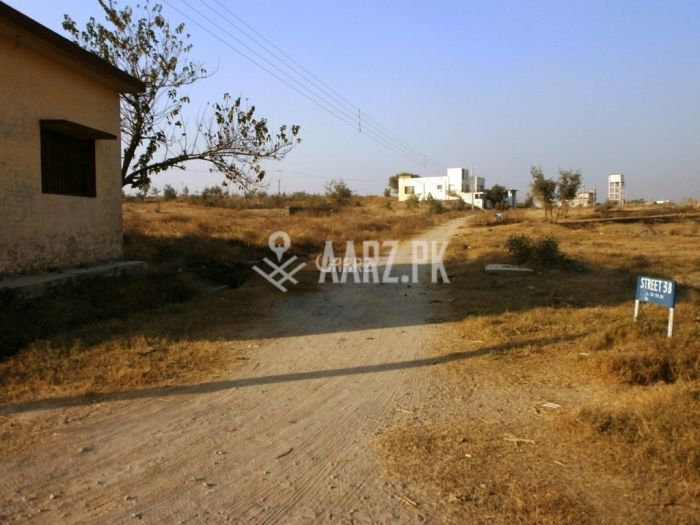 2700 Square Yards Corner House for Sale